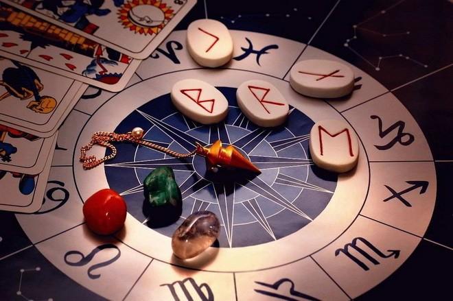 Руны по знаку Зодиака