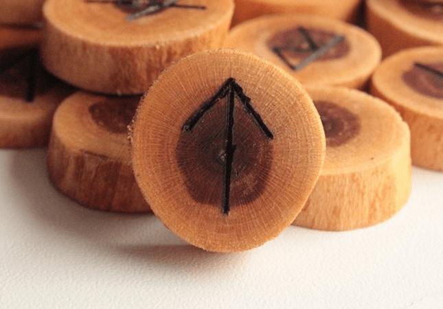 Руна Тейваз: описание символа, значение, толкование, фото