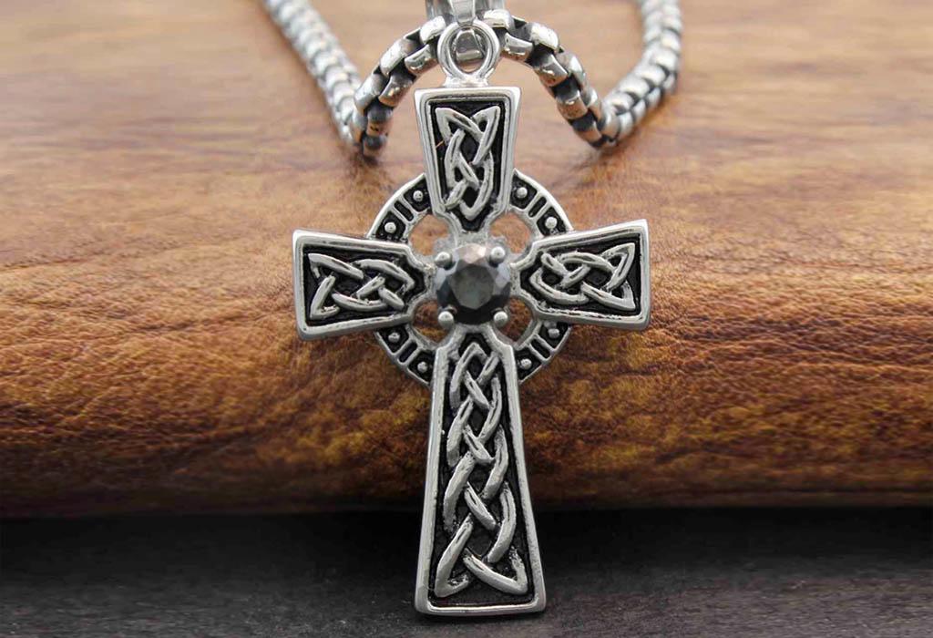 Кельтские обереги: названия амулетов и их значения, в том числе кельтских узлов, знаки стихий